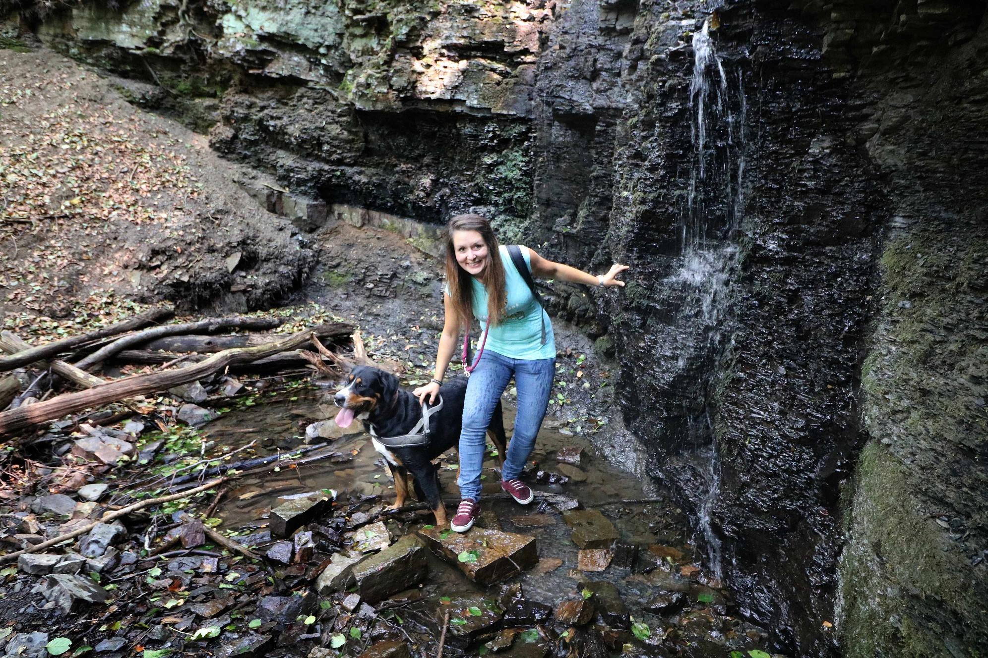 Unter dem großen Wasserfall im Rickbachtal