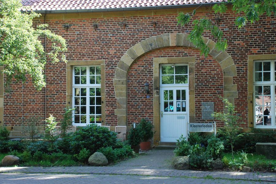Ehemaliges Kloster Marienfeld: Außenansicht Klosterladen