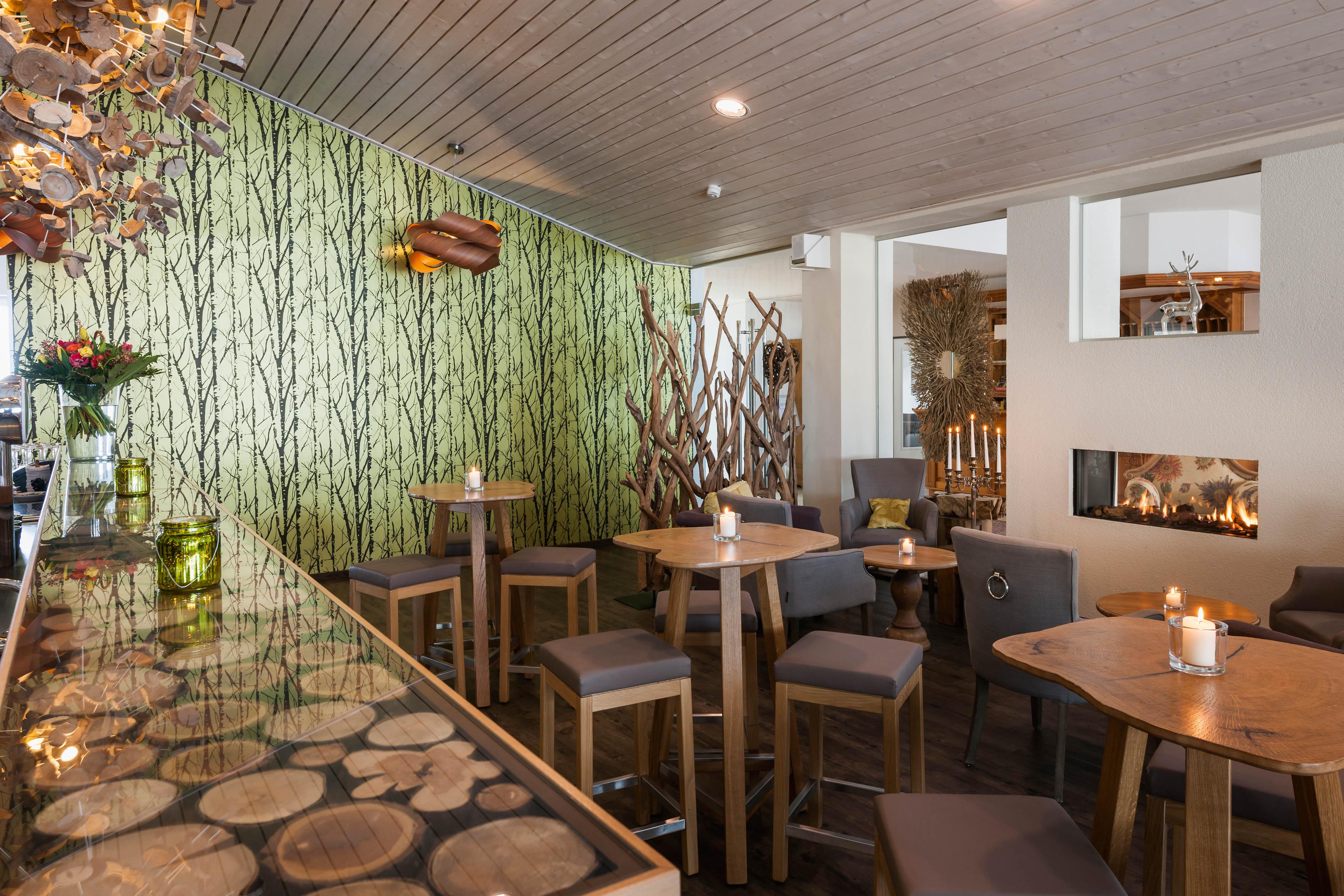 kn-llwald_hotel-sonneck_lounge
